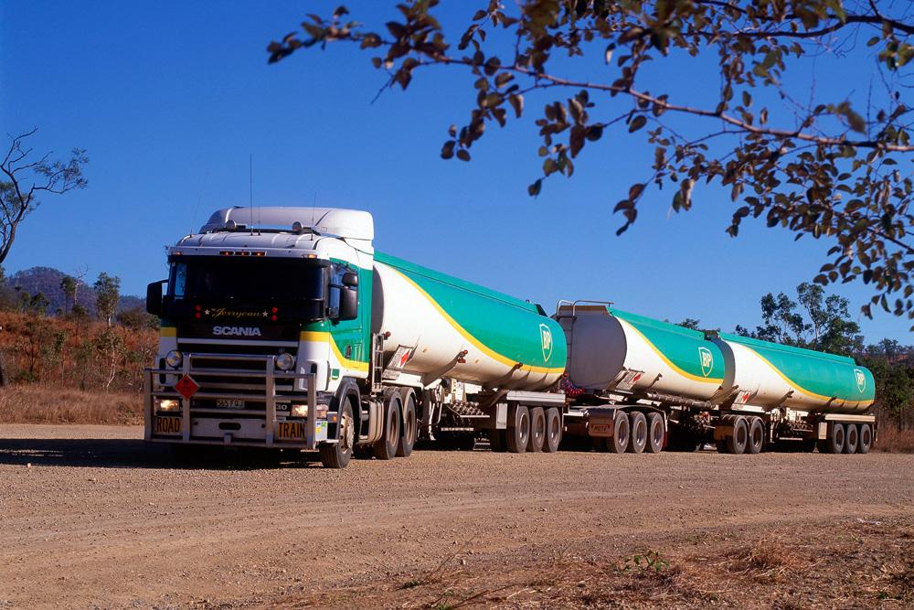 Автопоезд-бензовоз Scania R144 GA6x4 530 в Австралии, 2001