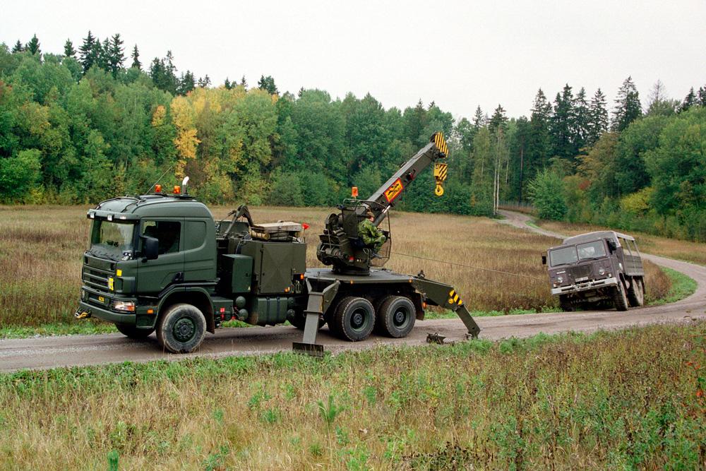 Военный грузовик поддержки Scania P124 CB6x6 с защитой от мин, 1999
