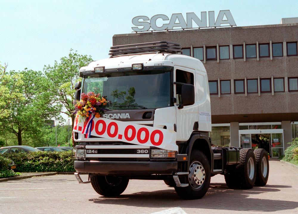Миллионный грузовик Scania выпущен на заводе в Zwolle в 2000 году