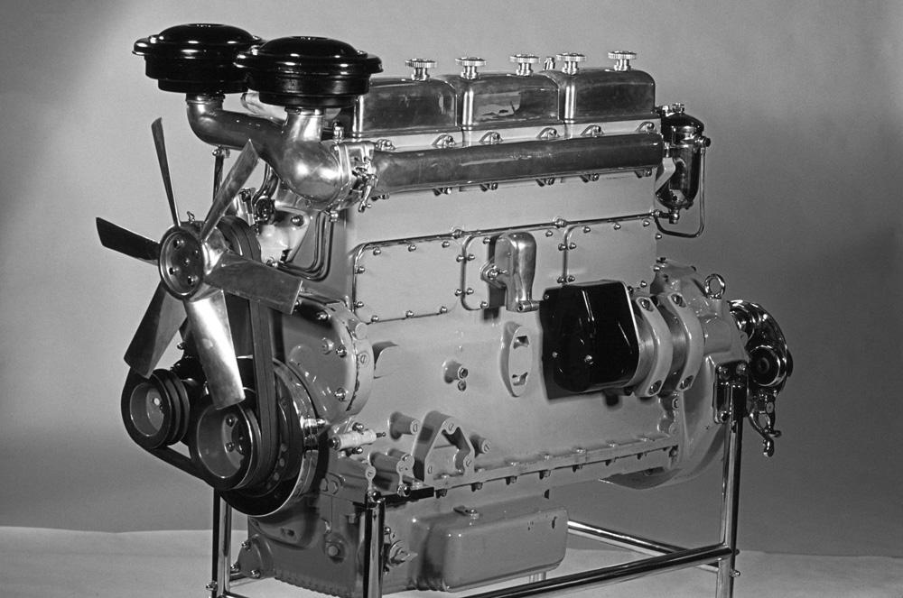 6-ти цилиндровый дизельный двигатель Scania-Vabis D623 с непосредственным впрыском топлива (135 л.с., 8.5 литров), 1949-1954