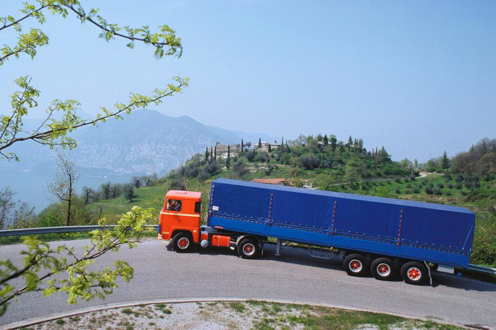 Двигателям Scania V8 под силу даже крутые горы Италии, 1973
