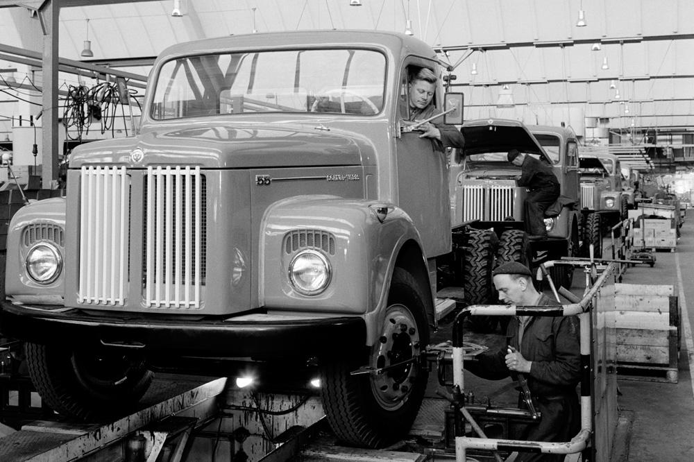 Сборка грузовика Scania-Vabis L55 на заводе в Швеции, 1959