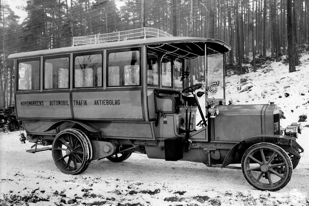 Один из первых автобусов Scania, 1911