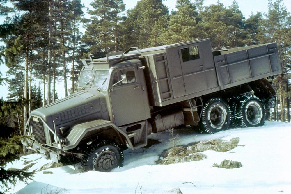 Военный внедорожный грузовик Scania LA82 6x6