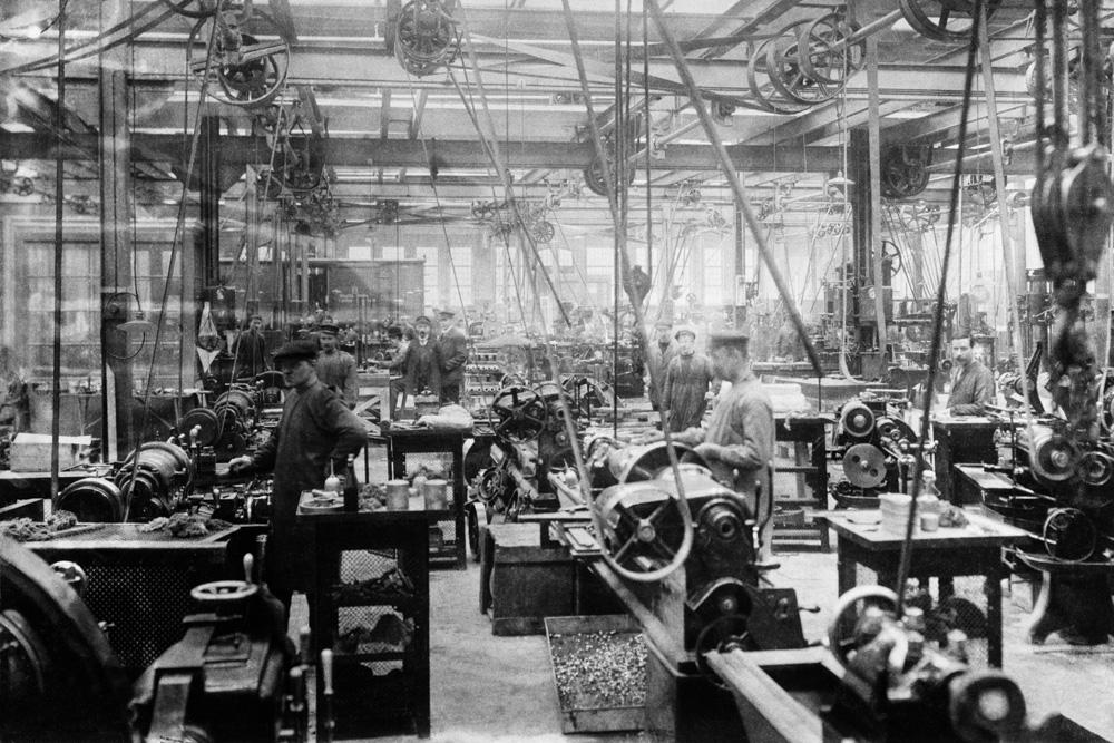 Интерьер заново оборудованного производства Scania-Vabis, 1913